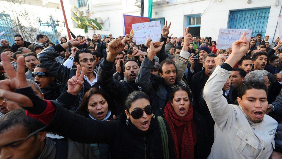 Demonstration in Tunis: Hohe Arbeitslosigkeit und hohe Preise