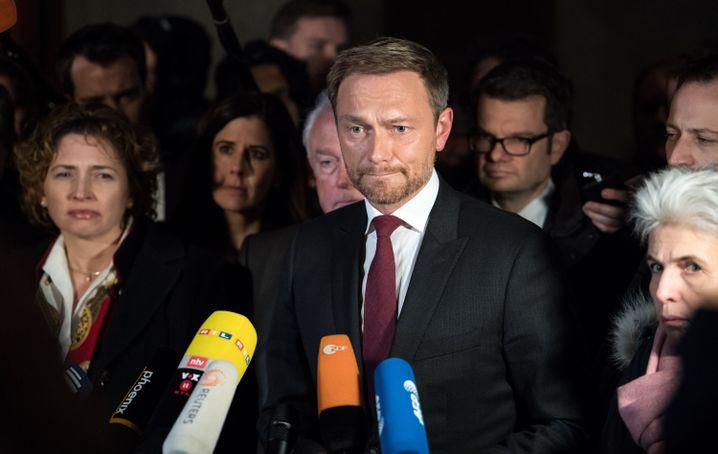 FDP-Chef Lindner am Sonntagnacht vor der baden-württembergischen Landesvertretung in Berlin
