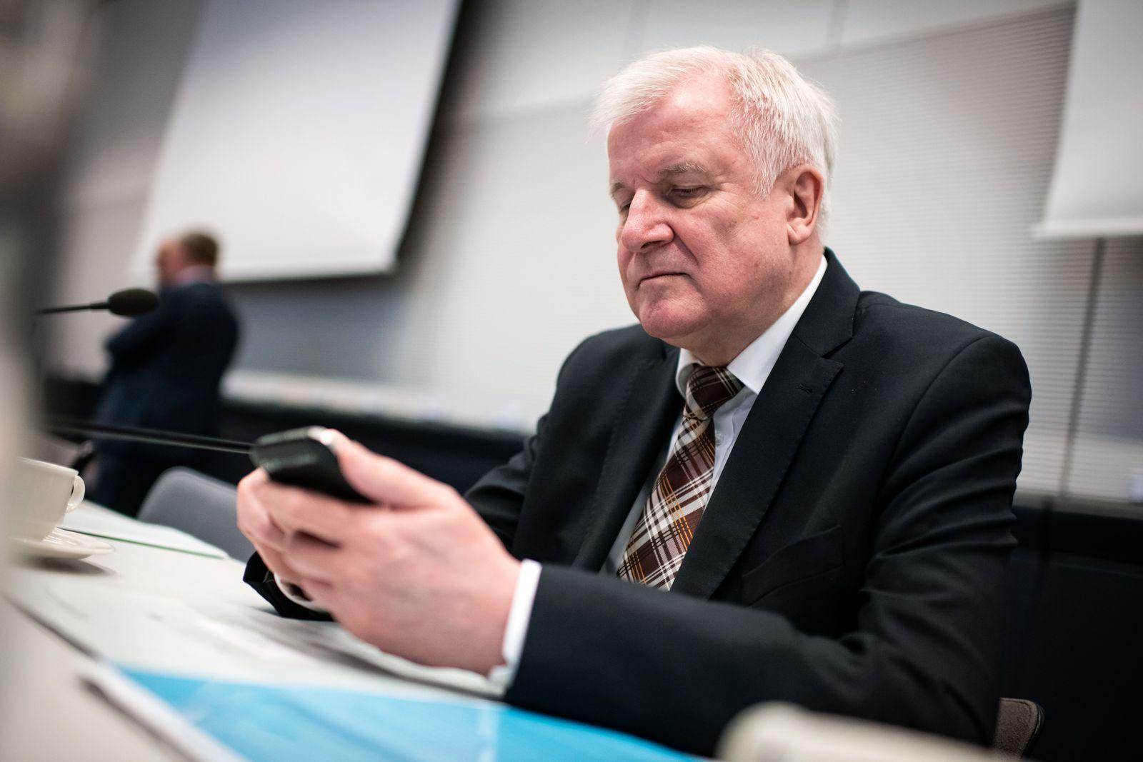 Horst Seehofer / Smartphone