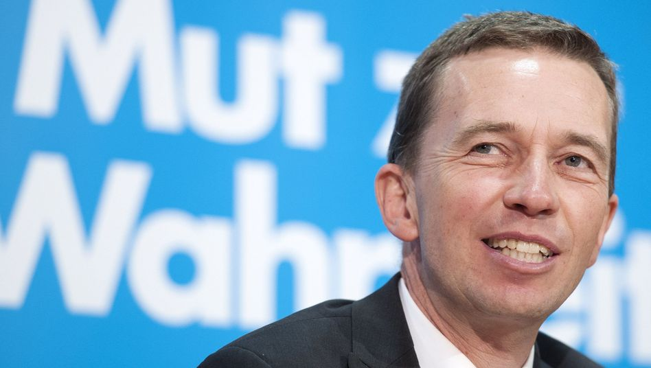 Alternative for Germany leader Bernd Lucke: if he quits, the party may not recover.