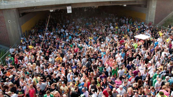 Love-Parade-Unglück: Duisburg, 24. Juli 2010