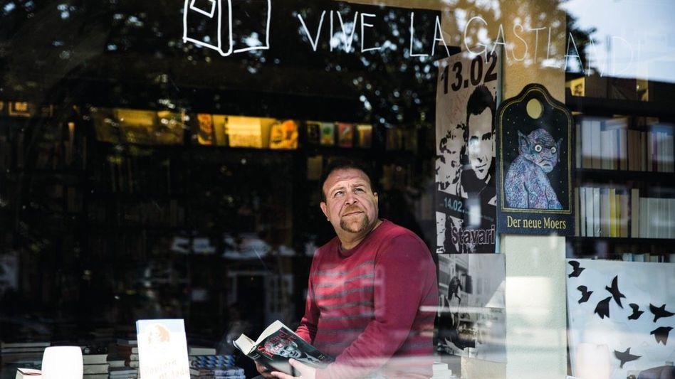Dichter Hamza in der Buchholzer Buchhandlung Slawski: »Ich komme aus einem unglücklichen Land«