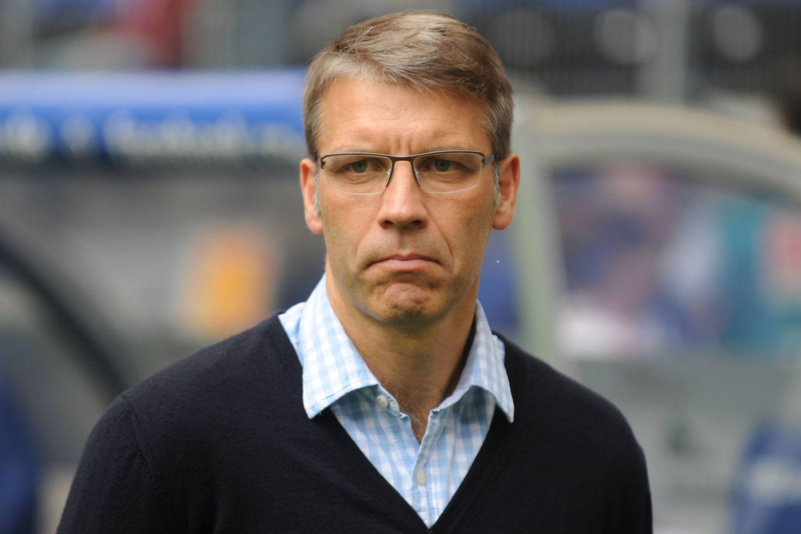 EINMALIGE VERWENDUNG Peter Knäbel/ HSV