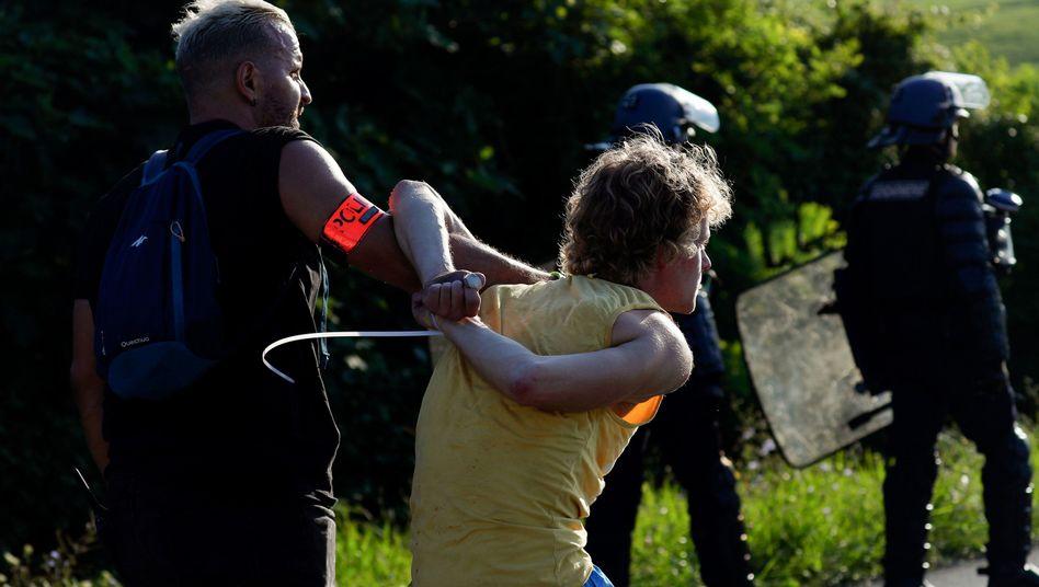 Einsatz der Polizei gegen G7-Gegner in Urrugne
