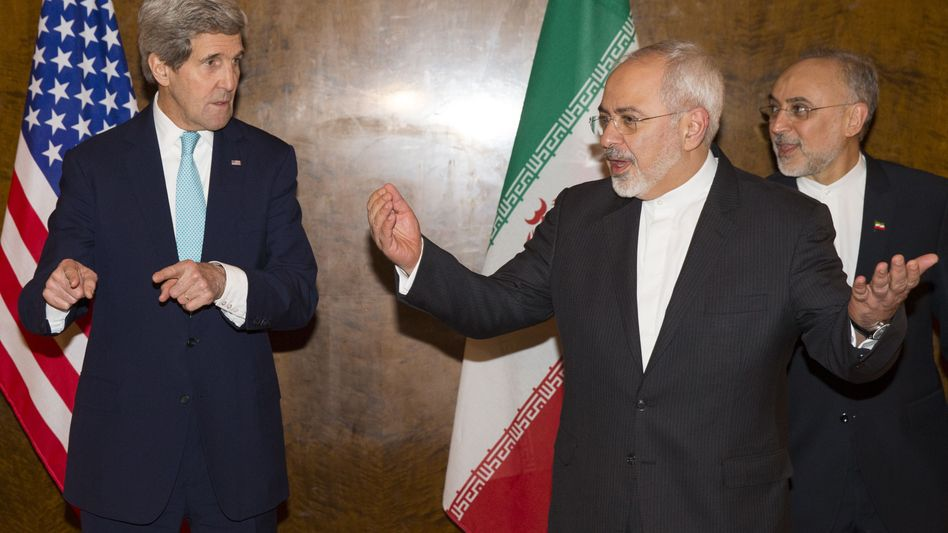 """US-Minister Kerry (l.), Irans Außenminister Zarif: """"Übermäßig und unlogisch"""""""