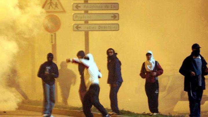 Frankreich: Steinewerfer in den Vorstädten