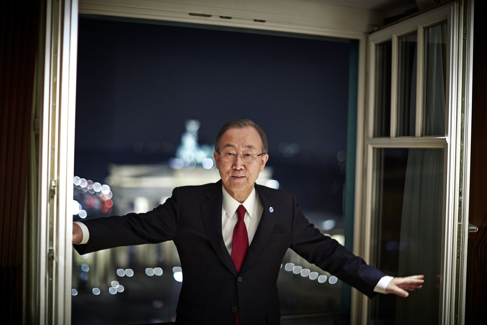 EINMALIGE VERWENDUNG EINMALIGE VERWENDUNG DER SPIEGEL 6/2014 pp90 SPIN Ban Ki Moon