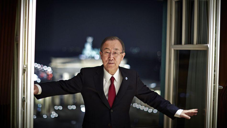 "United Nations Secretary-General Ban Ki-moon in front of Berlin's Brandenburg Gate: ""It is always important to exert pressure."""