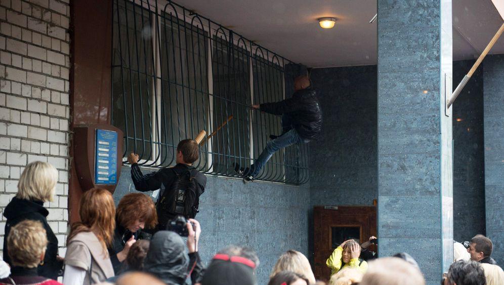 Sturm auf Polizeistation in Odessa: Nackenschlag für Kiew