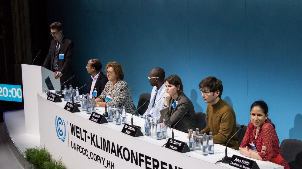 Premiere: Klimaforscher entern Deutsches Schauspielhaus
