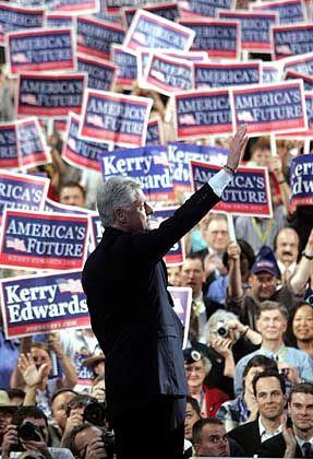 """Clinton beim Parteitag: """"Gott, ist der gut"""""""