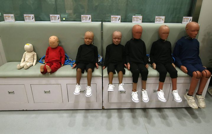 Crash test dummies made by Humantics (U.S. company) are used to test for safety in baby products, including car seats, baby strollers, playpens, walkers, high chairs, baby carriers and various toys, most manufactured for export to the United States at U.S.-safety-certified China Wonderland Nurserygoods Company s (Wonderland) massive factory in Dongguan, Guangdong Province, on May 9, 2019. China will not flinch in the face of American pressure to agree to a trade deal, Beijing s chief negotiator said after the latest round of talks ended without agreement and higher tariffs were imposed on Chinese exports. PUBLICATIONxINxGERxSUIxAUTxHUNxONLY DGM2019051140 STEPHENxSHAVER