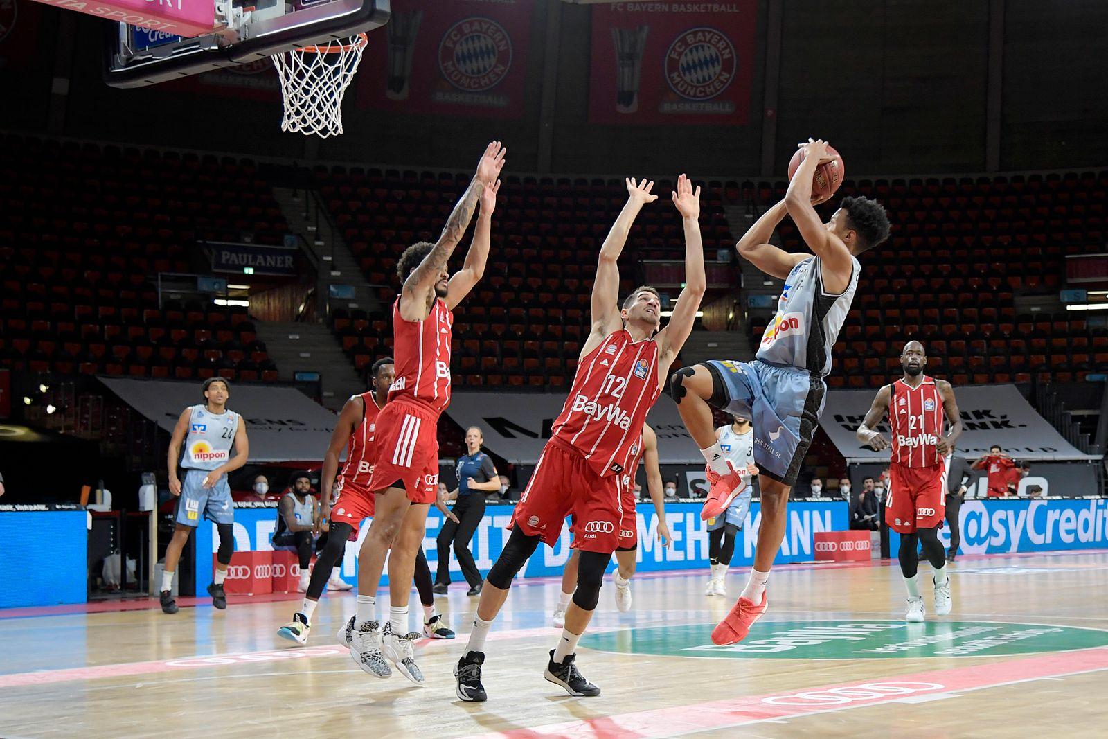 31.01.2021, xemx, Basketball BBL Bundesliga, FC Bayern Muenchen Basketball - HAKRO Merlins Crailsheim emspor, v.l. Nick