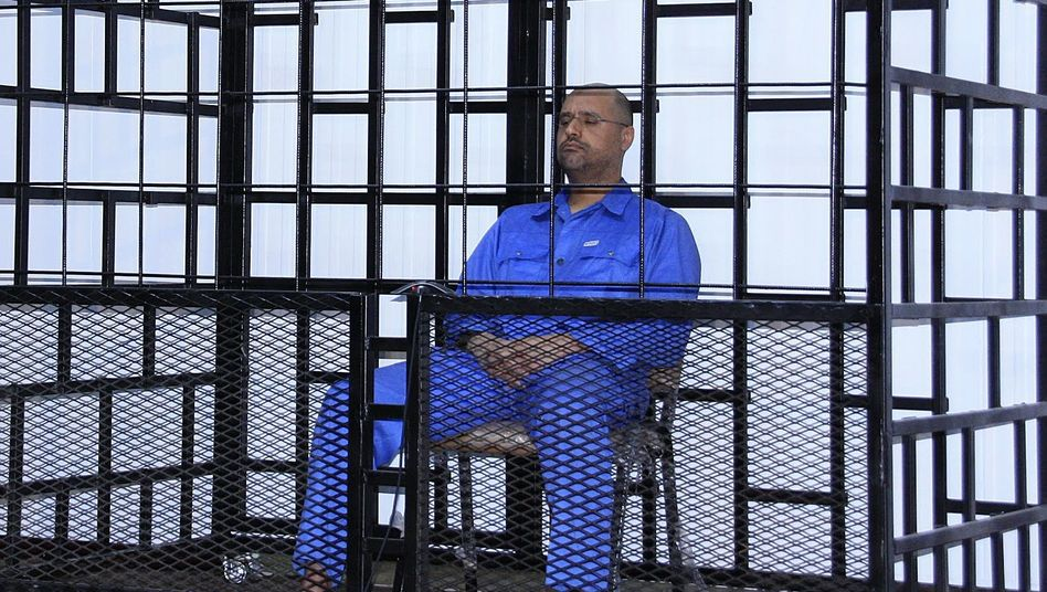Saif al-Islam Gaddafi im Gericht: Auslieferung gefordert