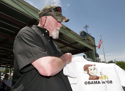 Obama als Affe: Ein Händler in Georgia verkauft T-Shirts mit rassistischen Motiven