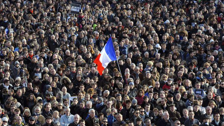 """Trauermarsch in Paris: """"Wir sind im Kriegszustand"""""""