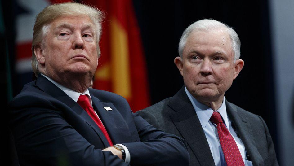 Donald Trump und Jeff Sessions