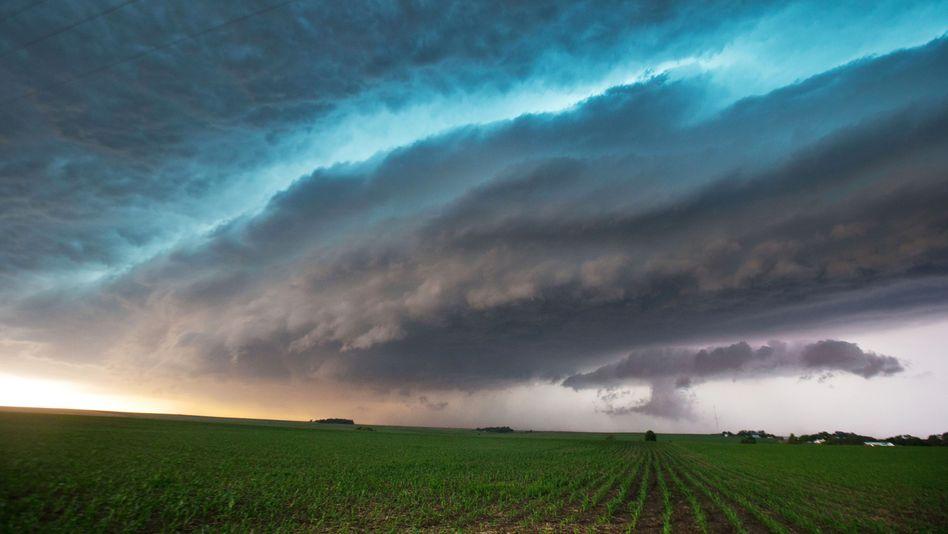 Dunkle Wolken über Nebraska