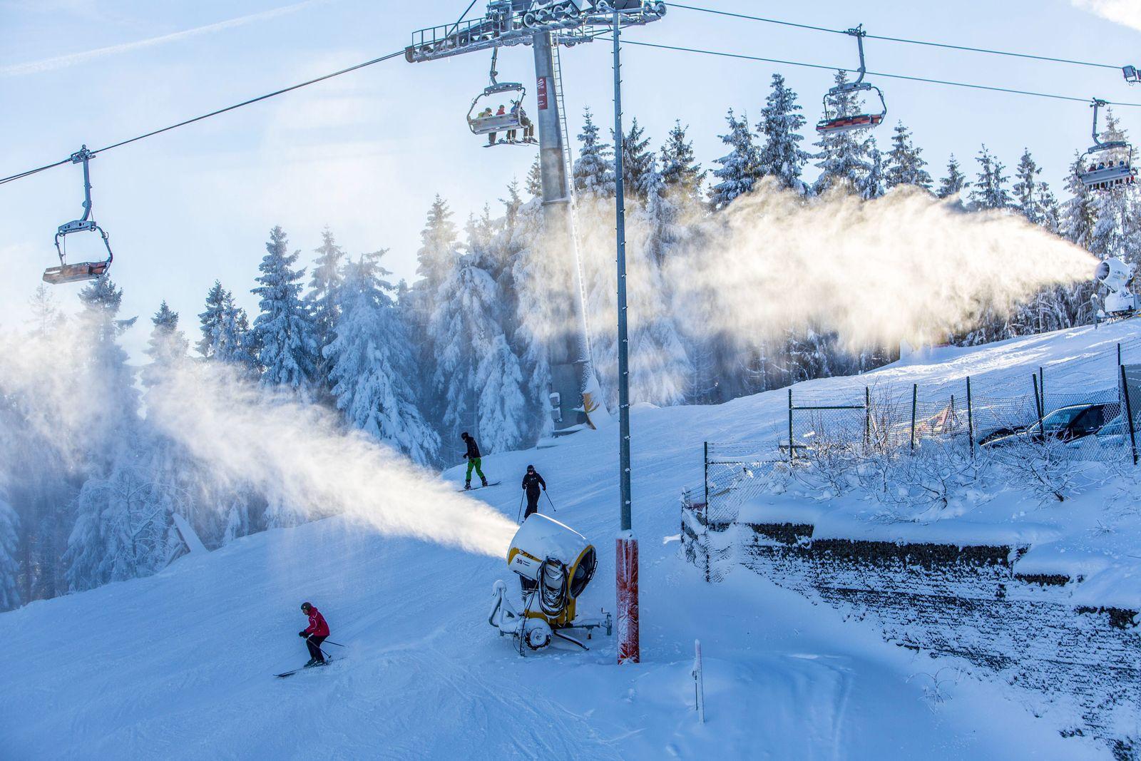 EINMALIGE VERWENDUNG Skigebiete / Klimawandel