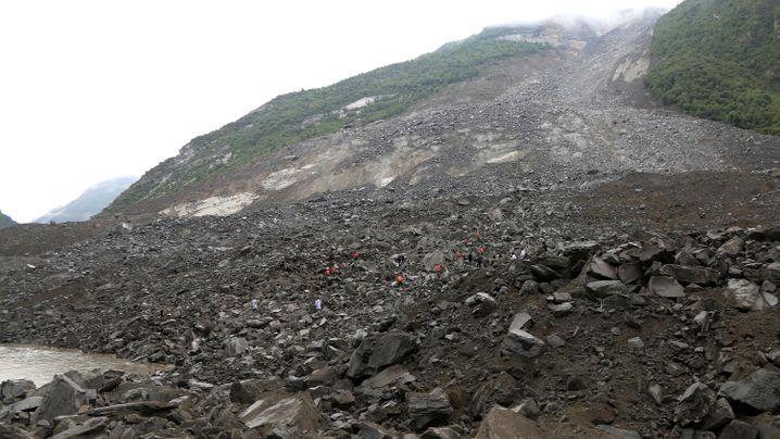 China: Bergrutsch in Sichuan