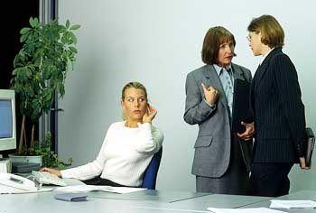 Tratsch, Klatsch, üble Nachrede: Manchmal der Anfang vom Ende im Job