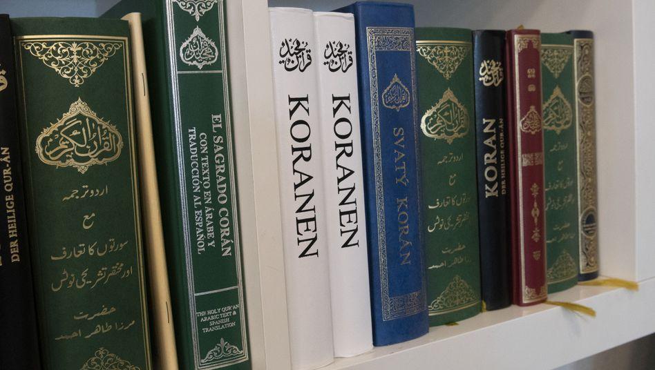 Exemplare des Korans, der heiligen Schrift des Islam