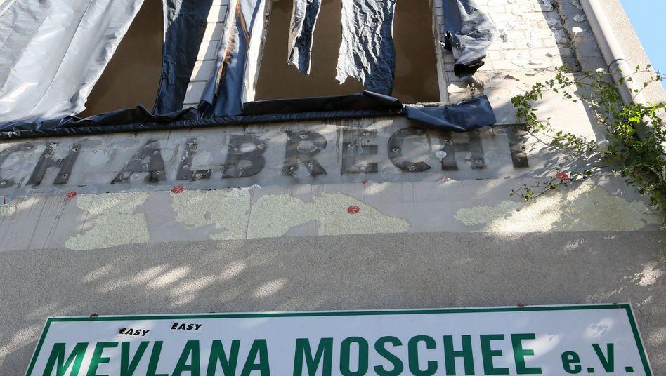 Mevlana-Moschee: Ob der Anschlag politisch motiviert war, ist noch unklar