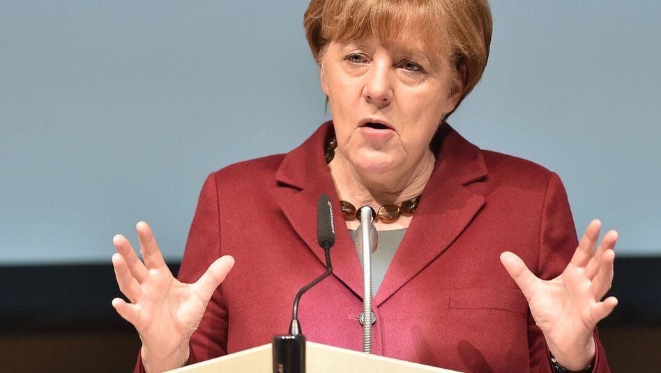 """CDU-Parteivorsitzende Merkel: """"Wir erwarten, dass ihr auch wieder in eure Heimat zurückgeht"""""""