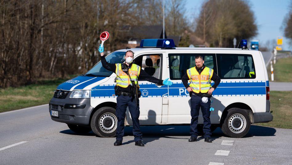"""Kontrollstelle in Bayern an der Grenze zu Österreich: Grenze auf - """"sobald Deutschland dazu bereit ist"""""""