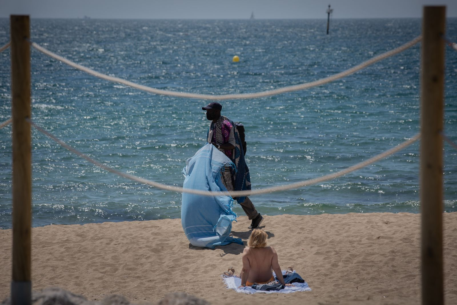 Barcelona Activates The Control Of Capacity On The Beaches