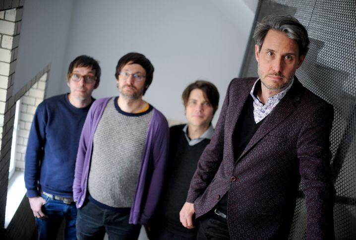 Von Lowtzow (rechts) mit Band Tocotronic