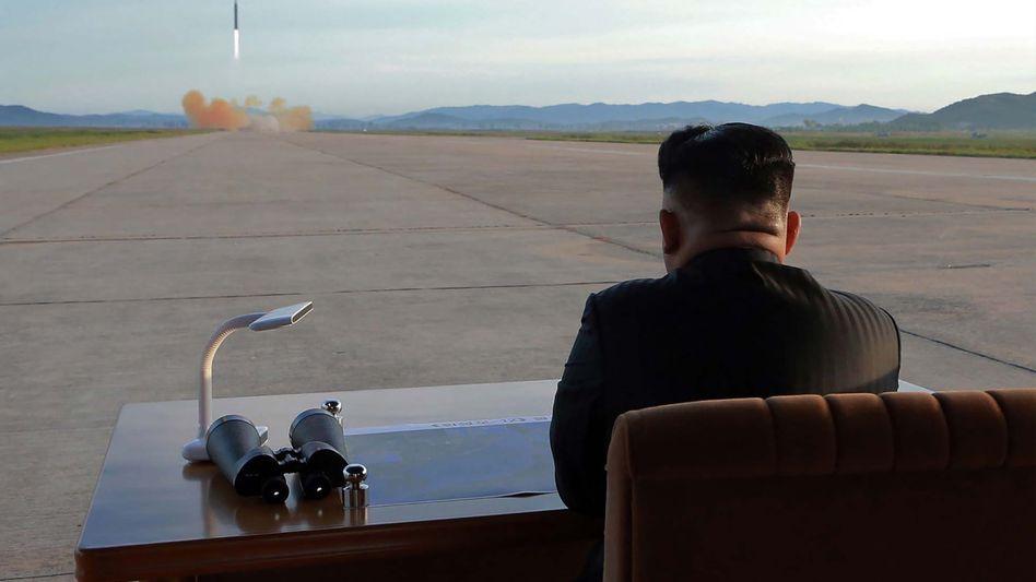 Kim Jong Un bei Raketenstart