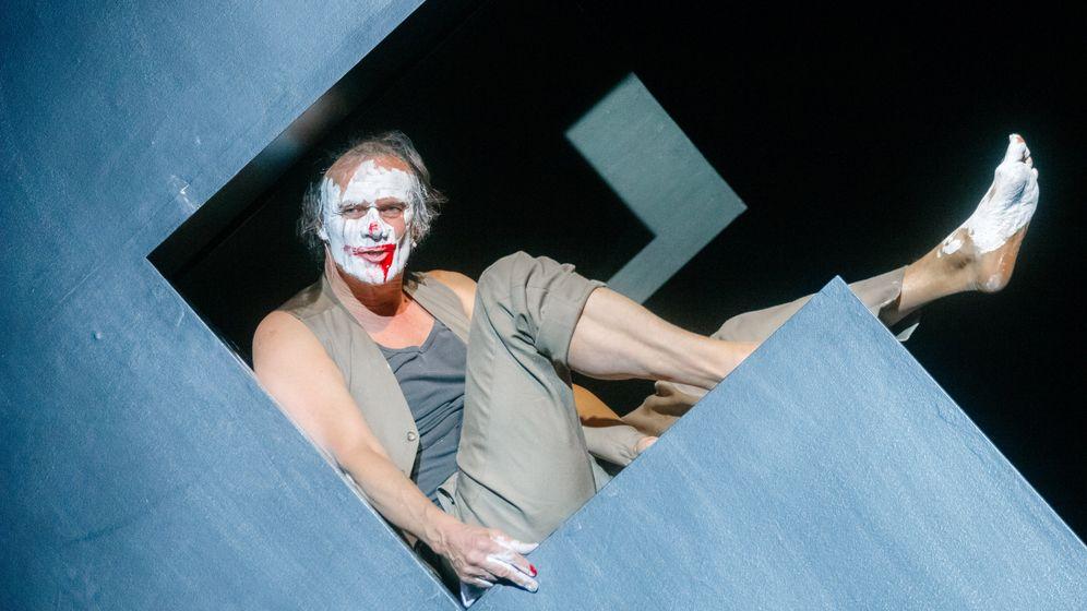 """Theaterpremiere in Hamburg: Gelungene """"Unterwerfung"""" nach Houellebecq"""