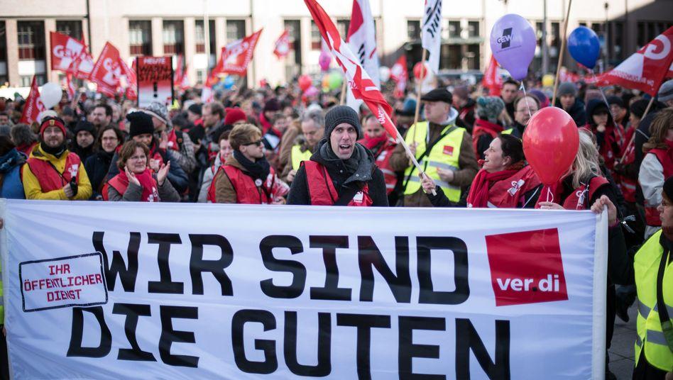 Demo der Lehrergewerkschaft GEW (Archiv)