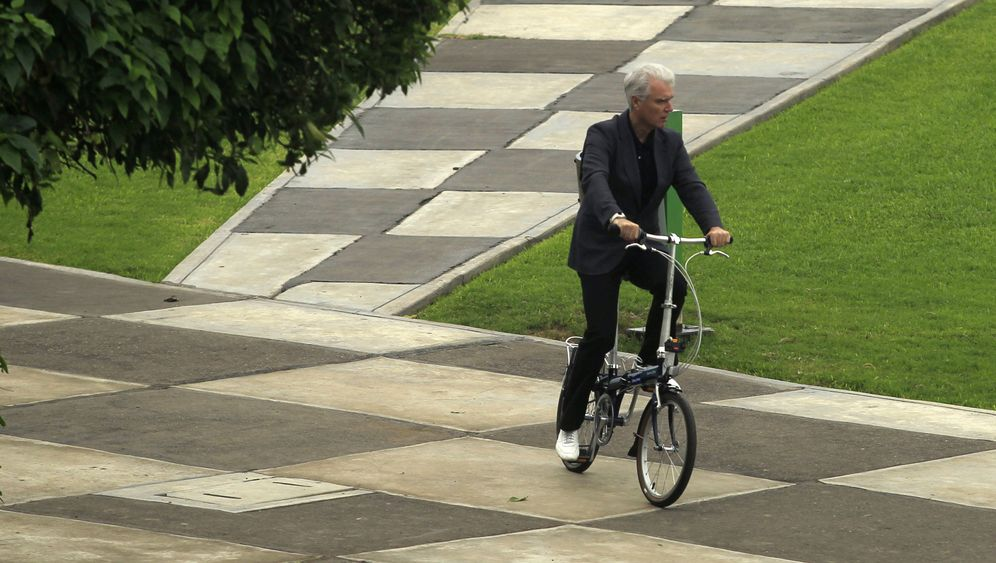 Talking Head David Byrne: Mit dem Klapprad um die Welt