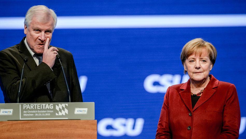 Horst Seehofer, Angela Merkel (beim CSU-Parteitag im November 2015)