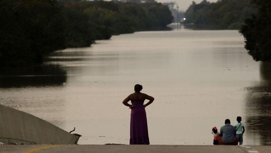 Überschwemmter Freeway in Houston