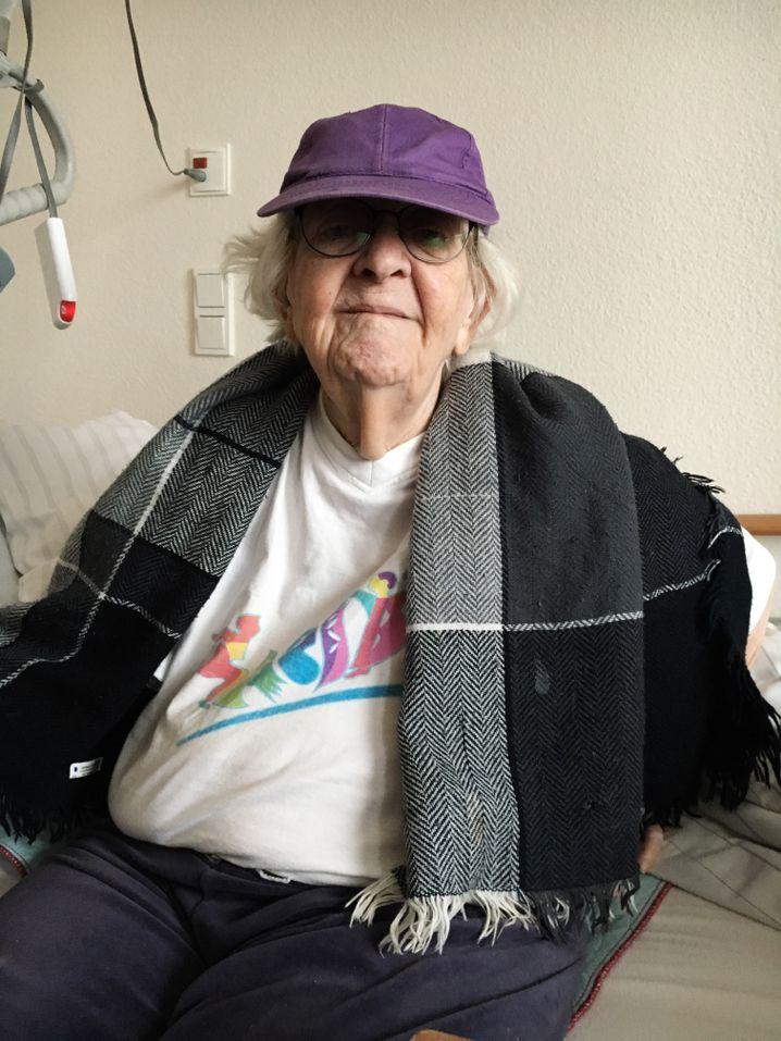 Eva Bornemann, 92.