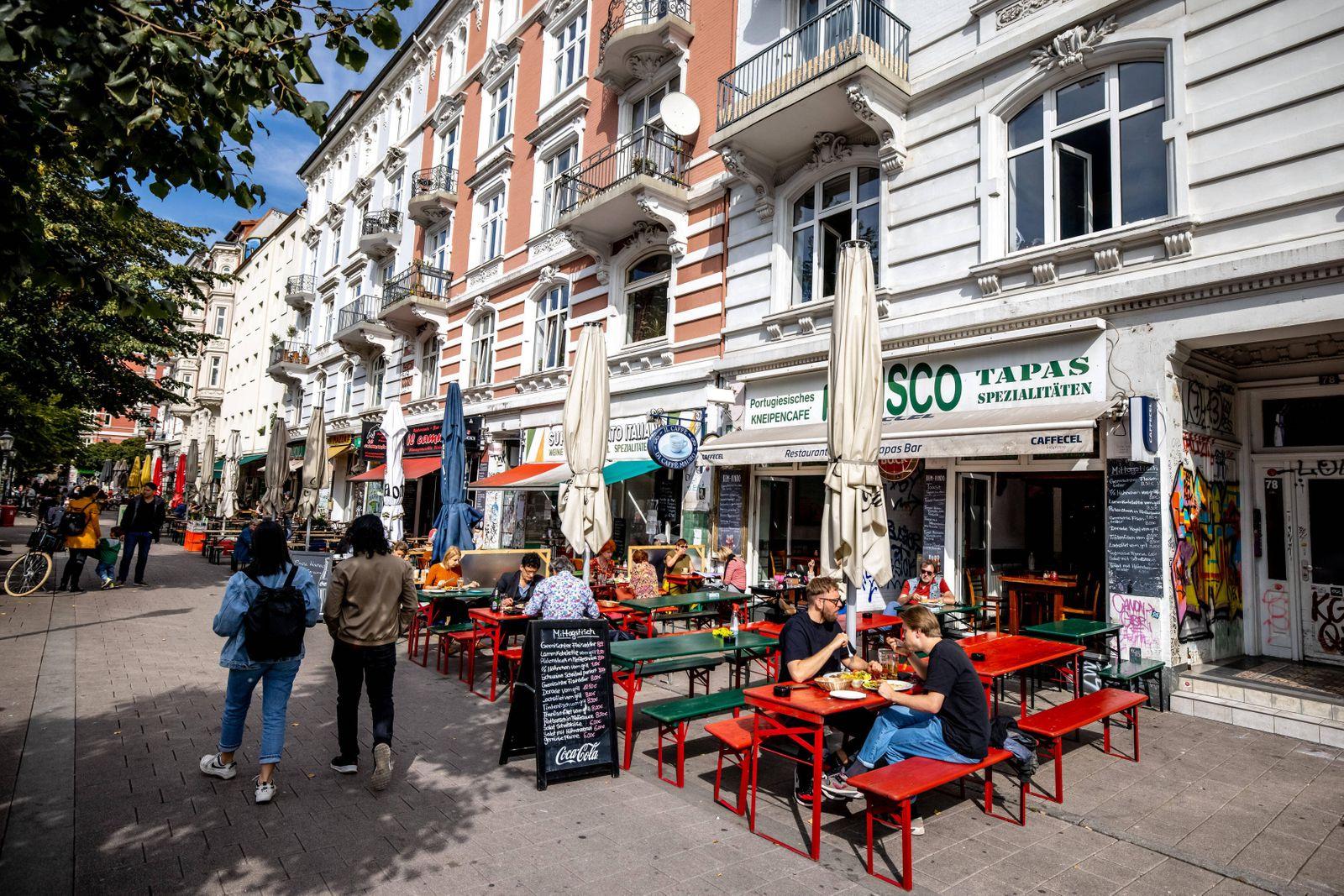 Hamburg, 17. September 2020 - Außengastronomie im Hamburger Schanzenviertel *** Hamburg, 17 September 2020 Outdoor gastr