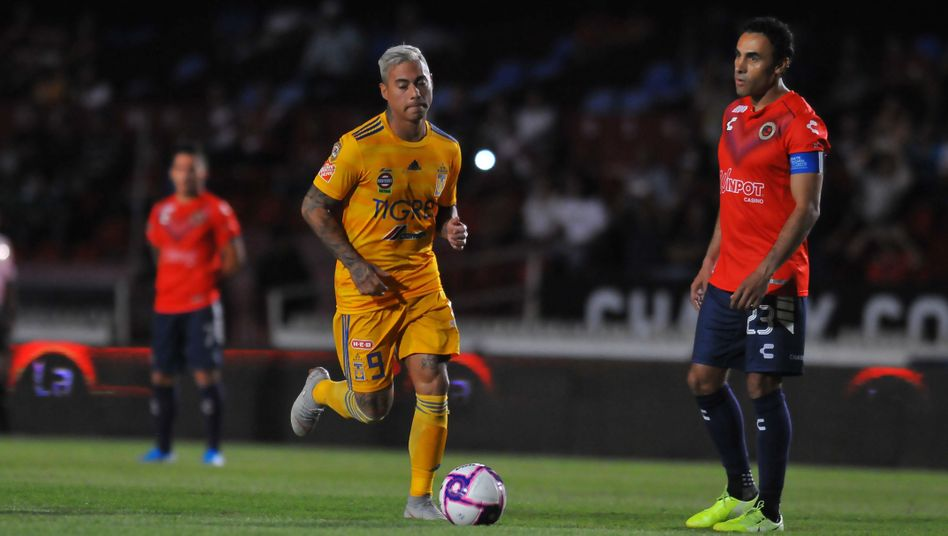 Tigres-Stürmer Eduardo Vargas (l.) stört sich nicht am Spielerstreik