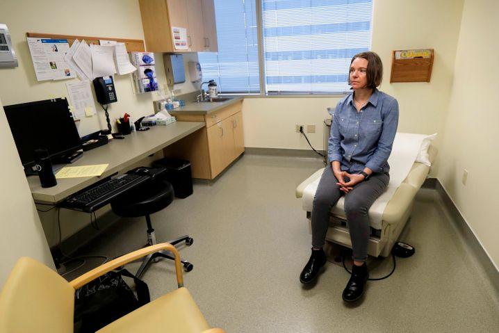 """Jennifer Haller kurz vor ihrer Impfung: """"Ich bin eine positive Person"""""""