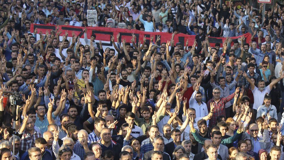 Anschlag in Ankara: Trauer und Wut