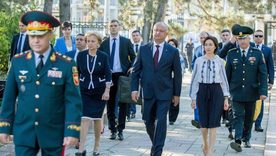Staatspräsident Igor Dodon (l.) mit Ministerpräsidentin Maia Sandu