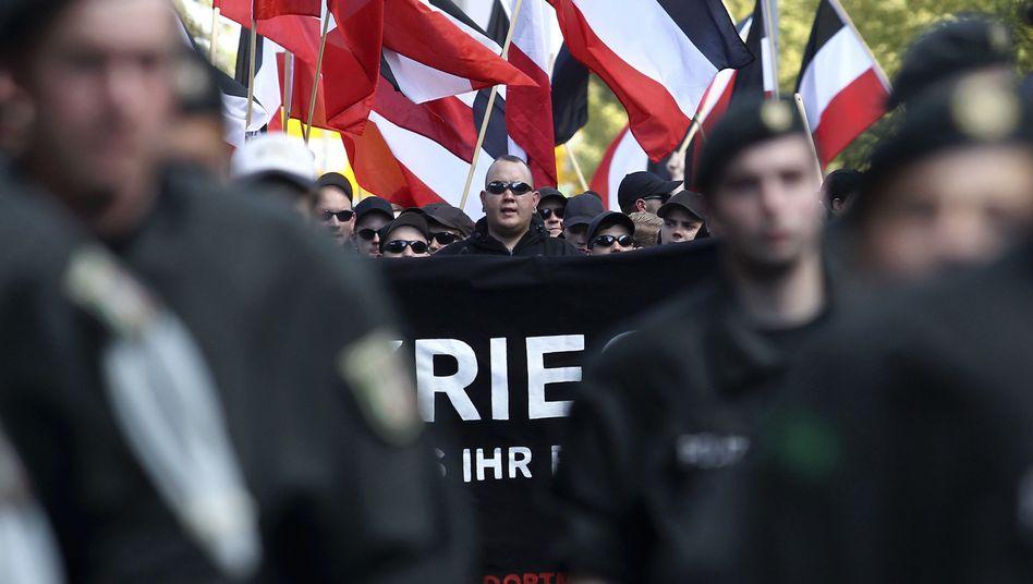 Brauner Sumpf: Innenminister Friedrich fordert zentrale Neonazi-Datei
