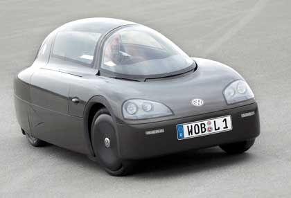 Das Ein-Liter-Auto: vierrädrig, flach, mit zwei hintereinander angeordneten Sitzen