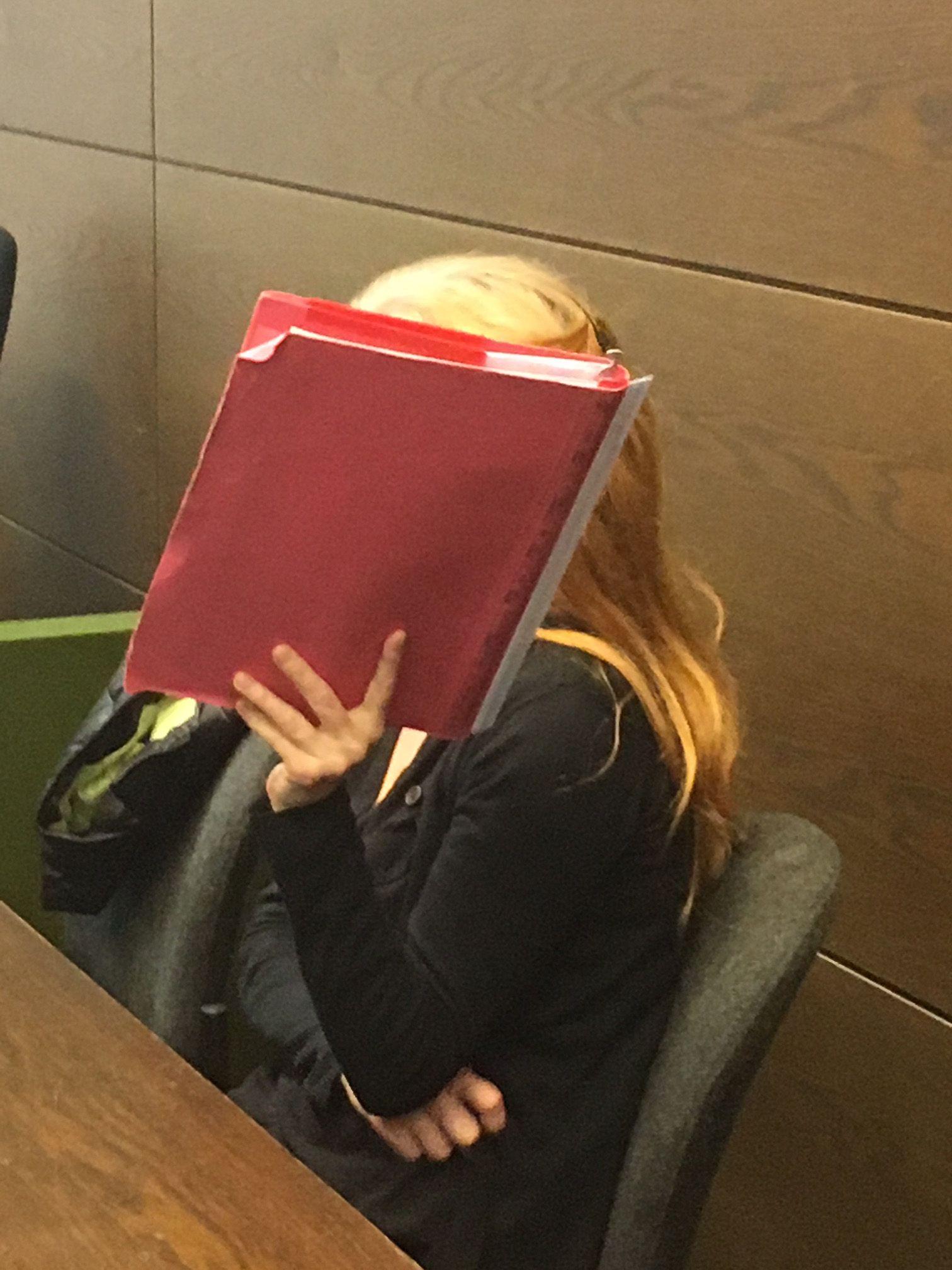 EINMALIGE VERWENDUNG Prozess Claudia K.
