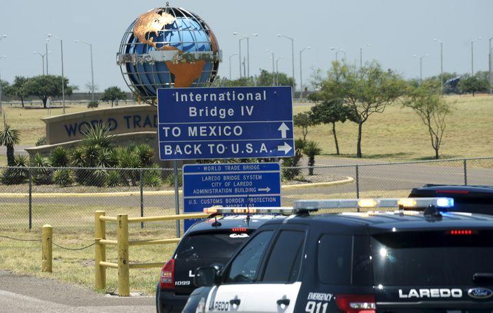 Grenzübergang in Laredo: Bis zu 5000 Dollar für einen Transport ins gelobte Land