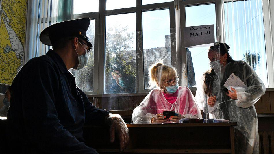 Ein Wahllokal in Wladiwostok: Am Sonntag endet die Wahl
