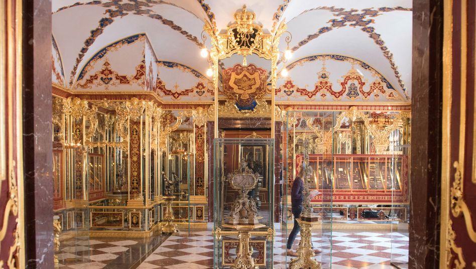 Juwelenzimmer im Historischen Grünen Gewölbe: Firma will dort gestohlenen Schmuck angeboten bekommen haben