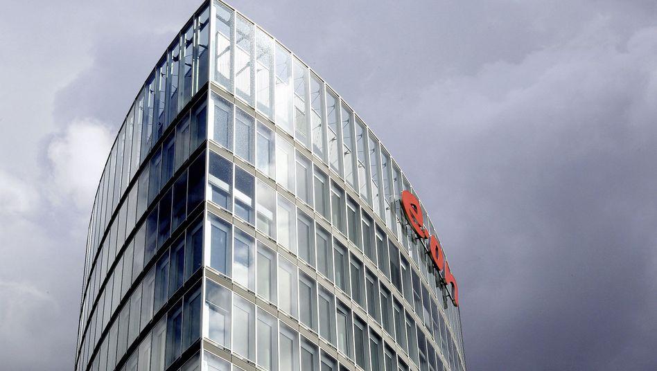 E.on-Zentrale in Essen: Entscheidungen über Stellenabbau sollen im Herbst fallen